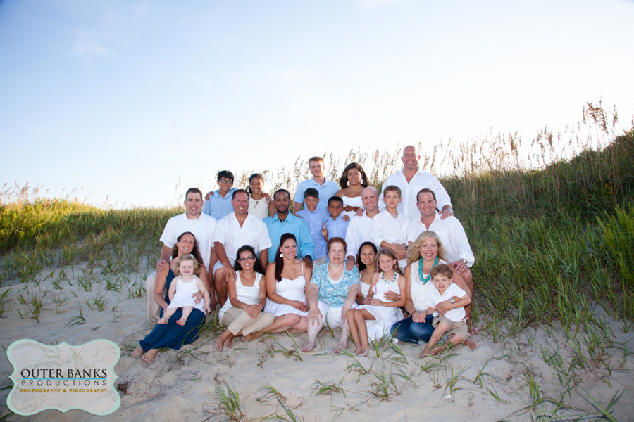 Outer Banks Photographers Capture Large Group Family Beach Portraits Outer Banks Family Portraits